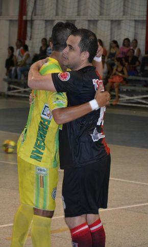 No importa el color de la camiseta, no importa la rivalidad, la #LigaArgosFutsal es una familia. #FútbolRevolucionado (Fecha 11)