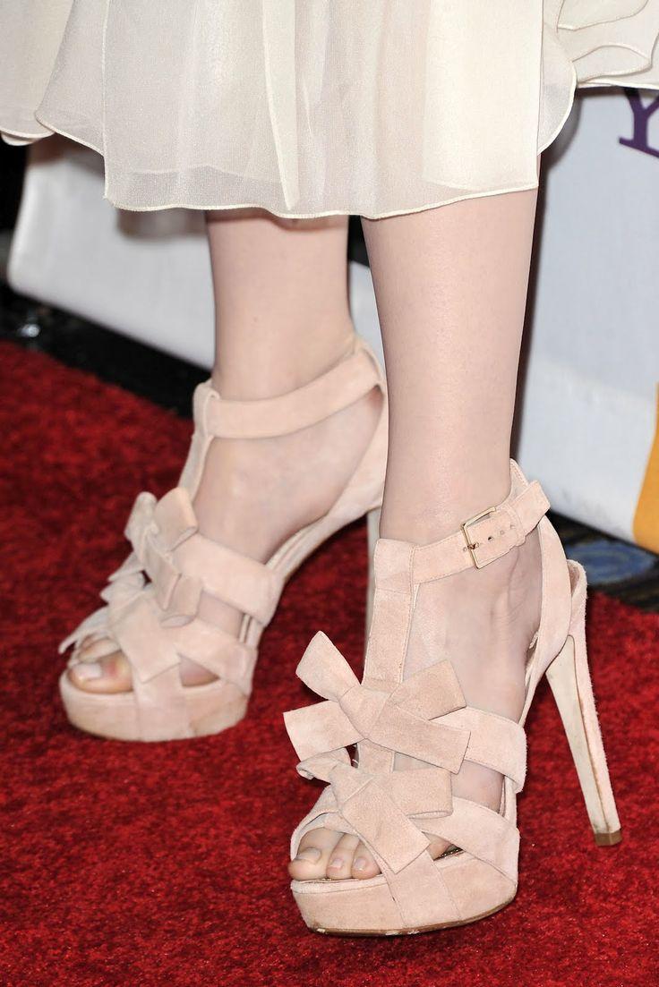 emma stone pantyhose feet | Labels: Emma Stone | | Emma ...
