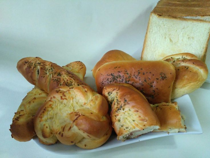 for my family.... cheese bread and bacon cheese bread.... yummmy