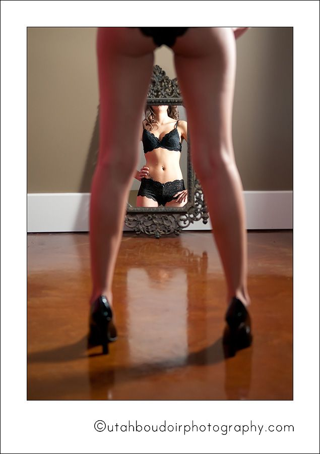Google Image Result for http://utahboudoirphotography.com/wp-content/uploads/2010/10/utah-best-boudoir-photographer-01.jpg