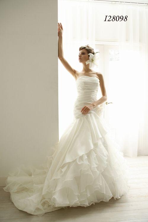 ウェディングドレス lnis128098|ウェディングドレスのレンタルなら大阪ピノエローザへ