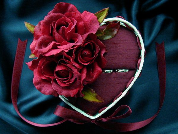 decorated with bordeaux color roses