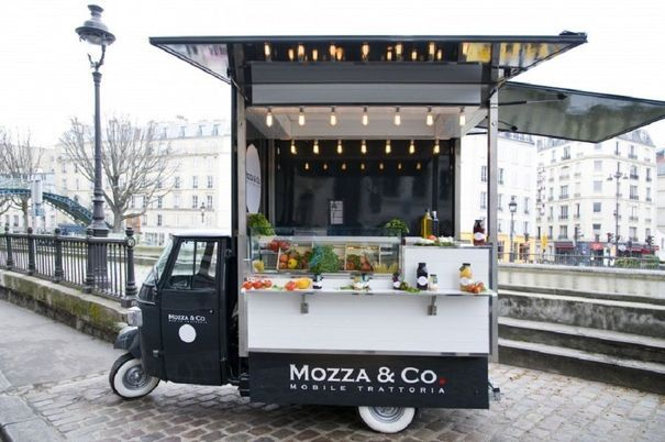 mozza and co, street food à Paris -★- Adorable and inviting plus unique  three wheeled vehicle food truck.