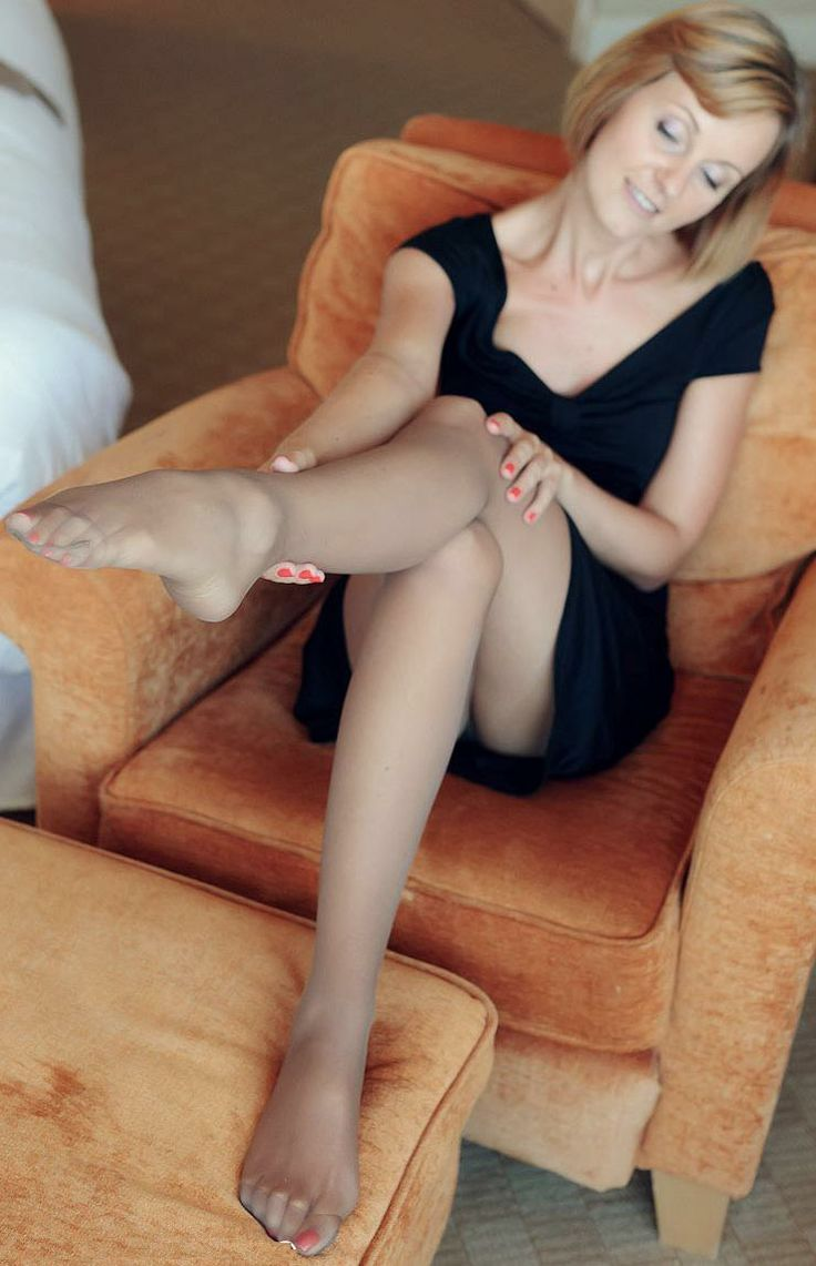 Was mature pantyhose free photos there