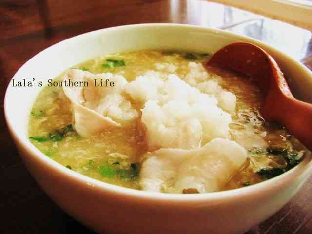 スープたっぷり春菊と豚バラのみぞれ雑炊の画像