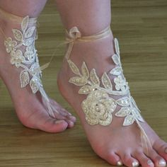 Champagne perles mariage de plage sandales aux pieds nus | See more about Boutiques and Html.