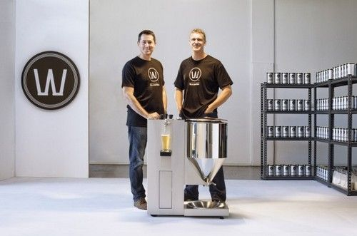 Ian Williams e Anders Warn: present the beer machine ... for Home!