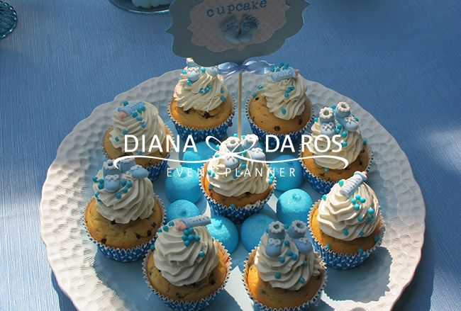 Sweet Table Azzurro Bianco Babyshower Party by Diana Da Ros Event Planner - babyshower cupcakes