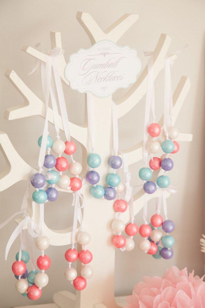 DIY kauwgumbal kettingen! Leuk idee! Www.kekstyle.nl #partyplanning #partyideeen #partydecoratie