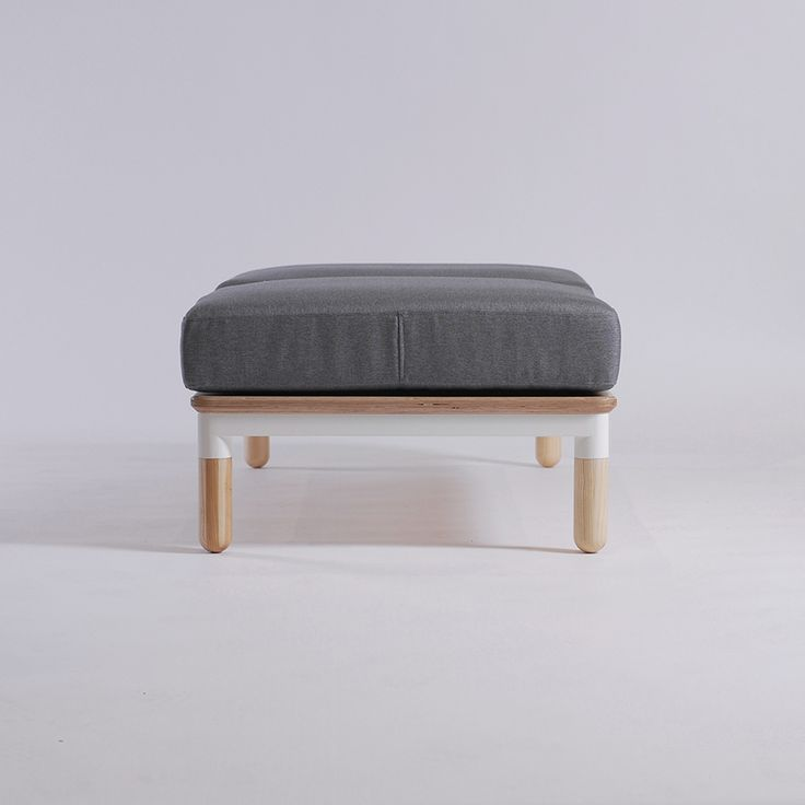R6 couch by Ukrainian design bureau ODESD2. Designer: Valentyn Luzan.