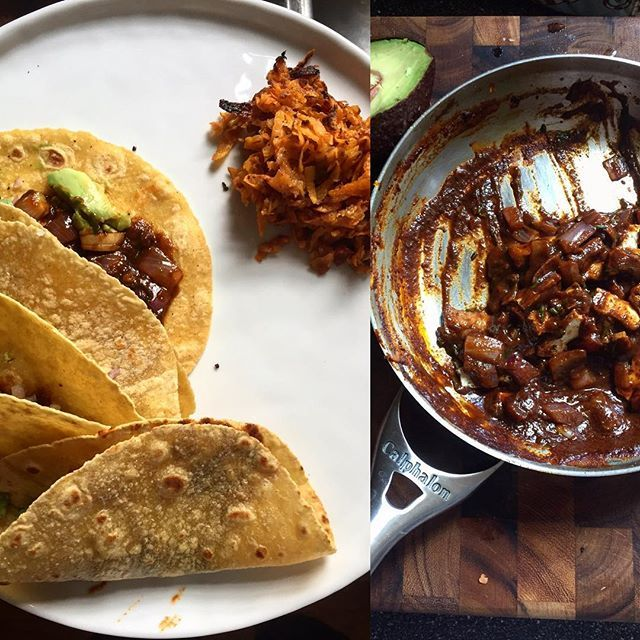 Sunday #brunch! #lemon-pepper #tofu in #homemade #mole tacos with a side of #sweetpotatoes hash  #loveyourbody #proteins #feedfeed #f52grams #foodandwine #vscocook #ToneitUp #gloobyfood by @jyojyozz