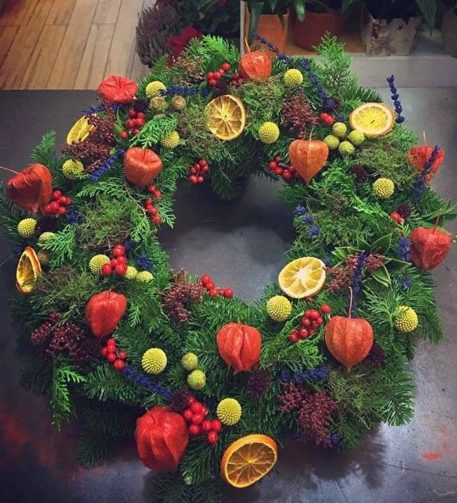 A slightly different take on a Christmas wreath by florist Alfio Cannavo |