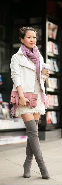 Street style | Ivory jacket & Lace dress