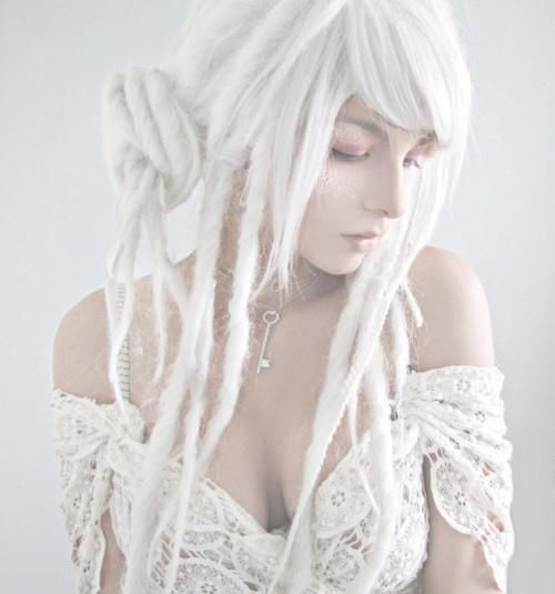 Synthetic Dreads. Yeah, I'm not doing real ones, but one day I'd like to do these. Black and white, maybe red.