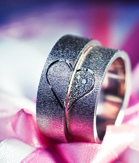 Unique Wedding Rings for 2013 - Looking at the sales from last year, and the trends that formed at the beginning of this year, it is clear that unique wedding rings are all the rage. Here are several different kinds of unique wedding rings you can choose. Use this guide to see what works with your personal style. ...