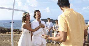 Thaila Ayala e Paulo Vilhena se casam em Noronha - Bem ao seu estilo, os atores Thaila Ayala e Paulo Vilhena reafirmam os votos tendo a natureza como testemunha