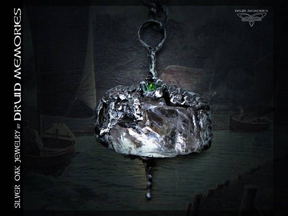 Chromediopside and mountain quartz pendant