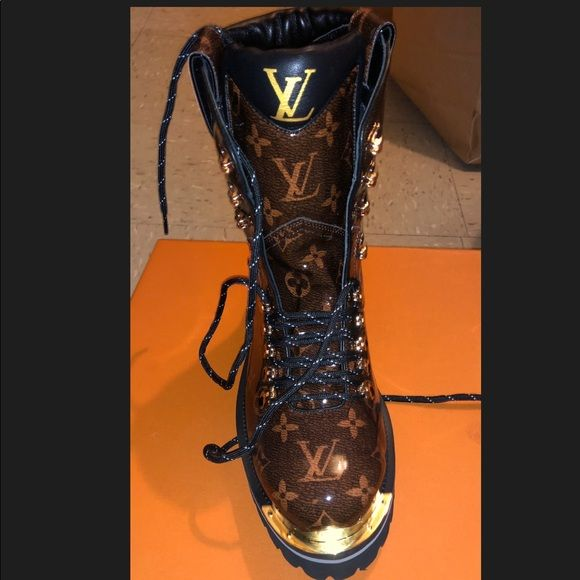 LV OUTLAND ANKLE BOOT LV OUTLAND ANKLE BOOT brand new in the