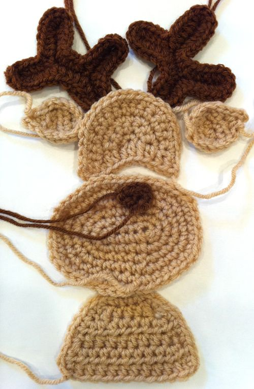 Knitting Pattern For Reindeer Antlers : Best Free Crochet   Crochet Along   Santa Pillow Part 3   Reindeer Haken ...