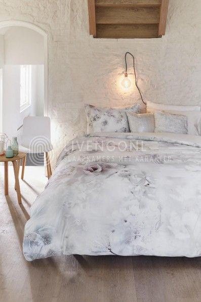 Romantisch Kardol & Verstraten Frosted Floral Dekbedovertrek - Poeder | romantic Kardol & Verstraten duvet | http://www.livengo.nl/kardol-verstraten-frosted-floral-dekbedovertrek | #dekbed #overtrek #romantiek #livengo