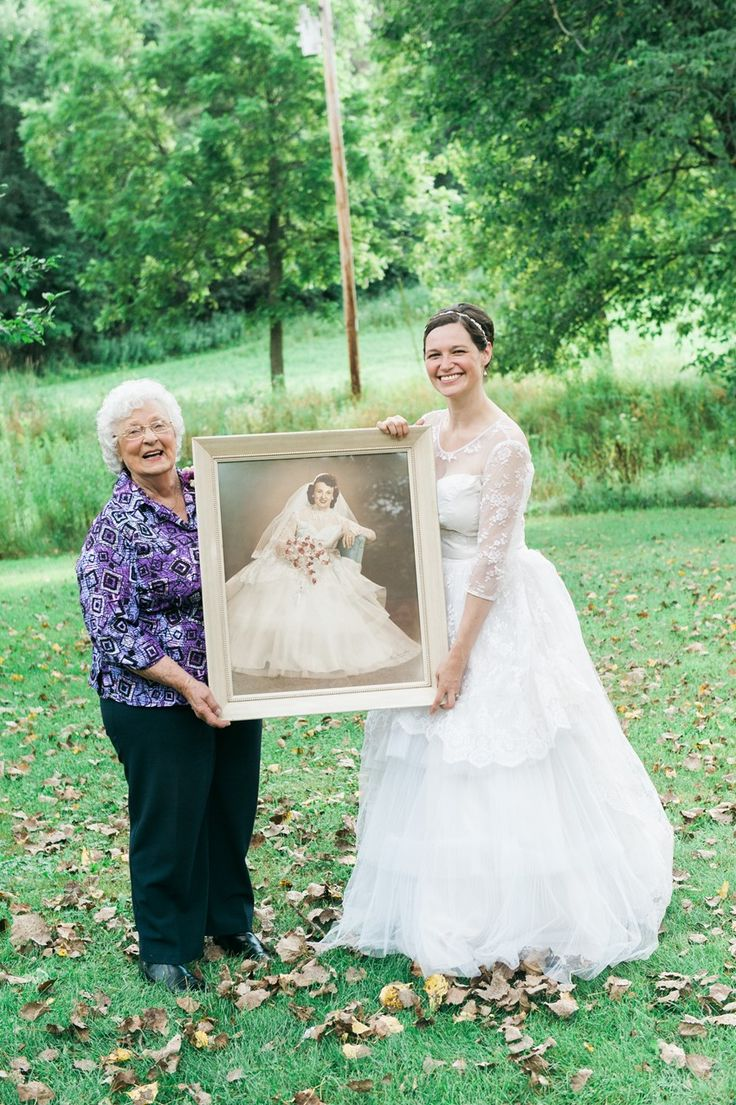 Vintage pearl bridal blog real brides news amp updates wedding - Bride Wearing Her Grandma S Dress With Grandma Photography Emily Steffen