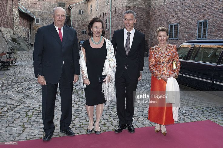 King Harald V of Norway, Ingrid Schulerud of Norway, Prime Minister Jens Stoltenberg of Norway and Queen Sonja of Norway pose together prior to the dinner reception for Aung San Suu Kyi outside the Akershus Castle on June 15, 2012 in Oslo, Norway.