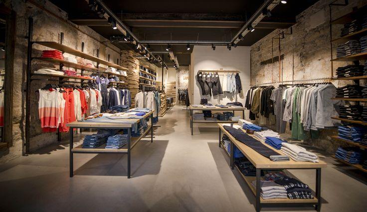 LEE jeans 38 rue du Temple – Paris 4  http://lesnanasdpaname.com/2014/05/26/lee-son-concept-store/ #jeans #leejeans #shopping #fashion