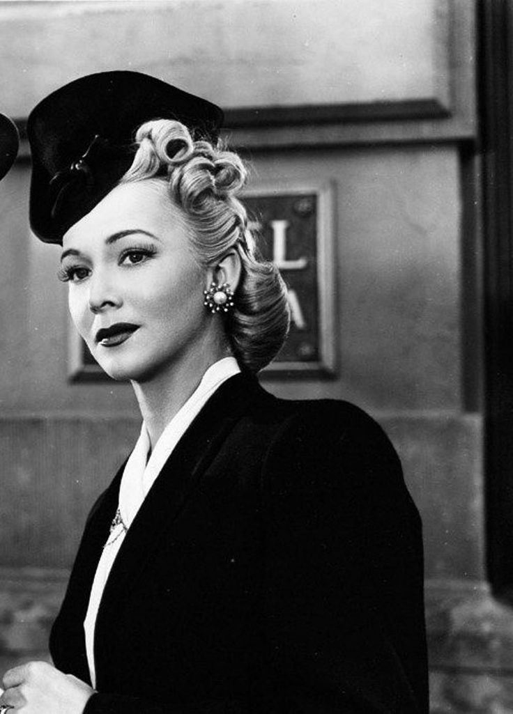 Carole Landis Chic Hat Collar Bygone Style Vintage Hairstyles 1940s Hairstyles