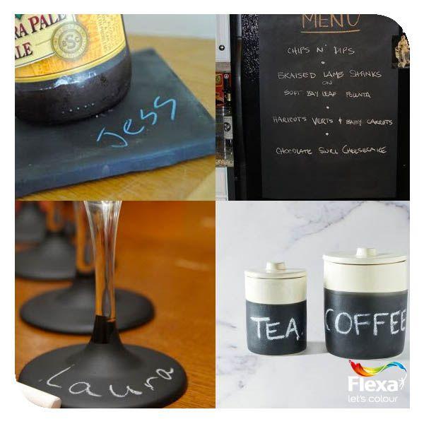 Met schoolbordverf kun je snel leuke onderzetters, glazen (handig op een feestje!), potjes en menubordjes versieren.  Bron: Pinterest