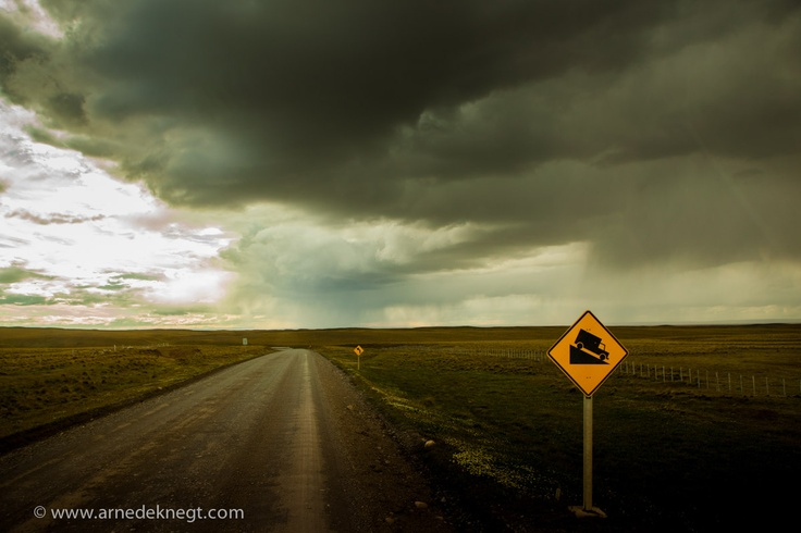 Dramatising the moment. Hitchhiking from Ushuaia, Argentina to Punta Arenas, Chile. (c) Arne de Knegt Photography 2013
