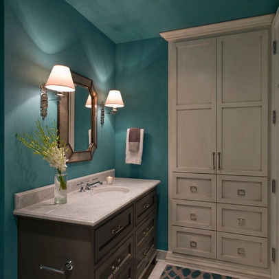 teal bathroom. i would dream better in a room.
