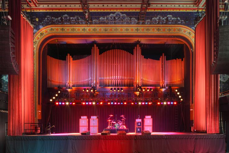 The pipe organ still resides at the Tabernacle in Atlanta GA..formerly the Baptist Tabernacle....