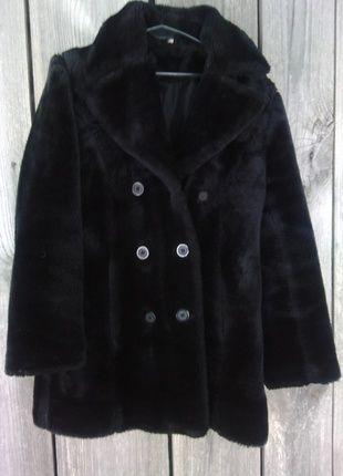 Kup mój przedmiot na #vintedpl http://www.vinted.pl/damska-odziez/plaszcze/11861326-czarne-sztuczne-futro-misio-dwurzedowy