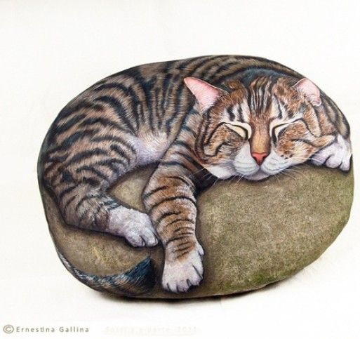PIETREVIVE cat rocks ~ by Ernestina Gallina ~ Cat portraits on rock, painted with acrylic colors.