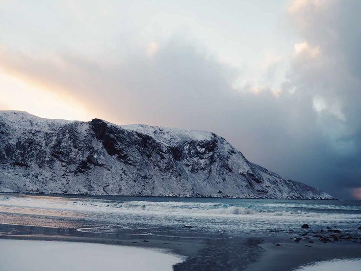 Road trippin in Norway! #Hoddevik http://www.helarskroppen.no/2017/02/roadtrippin/