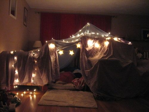 Build the blanket fort to beat all blanket forts
