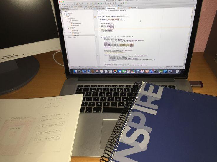 Outlines notebook, projects sketchbook and my loyal laptop. Cuaderno de bocetos, bloc de proyectos y mi leal portátil. #apps