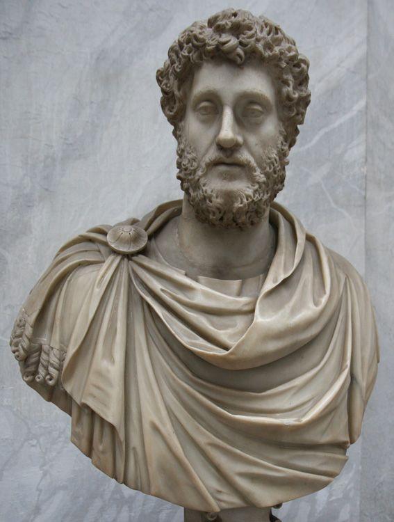 Busto rehecho del emperador Cómodo (180-192 d.C.) de Tor Bovacciana (Ostia) y actualmente en los Museos Vaticanos.