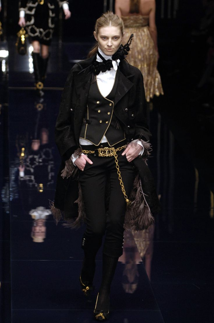 Dolce & Gabbana at Milan Fashion Week Fall 2006 - StyleBistro.