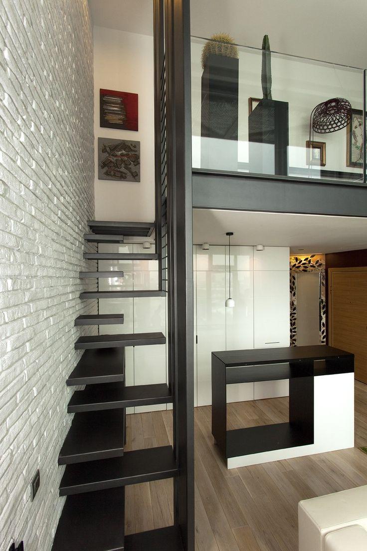 Les 31 meilleures images propos de escaliers a pas japonais echelles de meuniere sur - Small loft space model ...