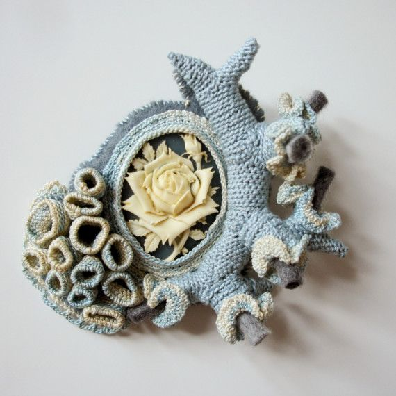 Textile Cameo brooch #258