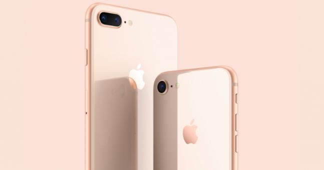It's Christmas time and one of the best times of the year that shoppers are waiting for. This year, Apple products are on sale especially via Amazon. Here are the products on sale this Christmas via Amazon. iPhone 8 and iPhone 8 Plus below $1000. Check out the links we provided below. Apple iPhone 8 4.7″, 64 GB, Fully Unlocked, Space Gray Price: $779.00 + $11.33 shipping Get $50 off instantly: Pay $729.00 upon approval for the Amazon Rewards Visa Card. Only 2 left in stock Apple iPhone 8…