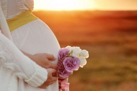 A várandósság idején több kismamánál kisebb-nagyobb problémák merülhetnek fel (hányás, émelygés, székrekedés, ödémásodás, vérnyomás, vércukorgondok…). A baba védelme érdekében ilyenkor a legtöbben szeretnének minden panaszuktól a lehető legártalmatlanabb módon megszabadulni. Ebben a gyógynövények, gyógygombák, és a gondosan megválasztott diéták nagyon sokat segíthetnek.. A gyógygombák összetételüknél fogva rengeteg tápanyagot biztosítanak mind azanya, mind pedig a magzat számára.Nagy…