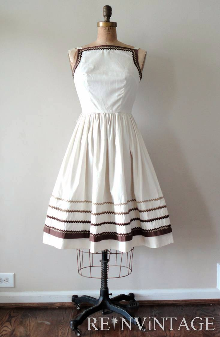 Vintage 1950s summer dress by shopREiNViNTAGE on Etsy.