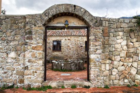 Antique, beautiful sea view stone property in magnificent surroundings – Sicilianhouses.com