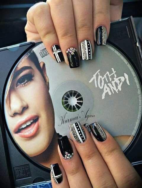 Itt a cd