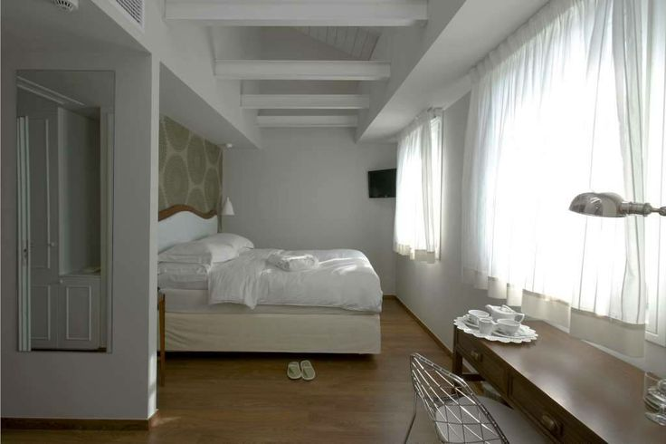 Hotel Metropolis στο κεντρο των Ιωαννινων #bedroom #shower #glass #ioannina #epirus