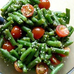 Теплый салат из зеленой фасоли рецепт – салаты с фасолью, постная еда: салаты. «Афиша-Еда»