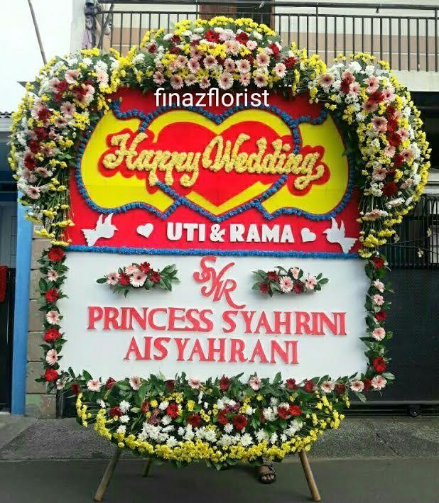 Toko Bunga di Kemayoran adalah Toko Bunga Finaz berlokasi di Jakarta Pusat menerima pesanan Bunga Papan Pernikahan berbagai jenis ukuran.