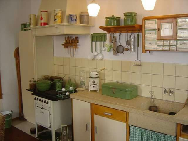 25 beste idee n over jaren 70 huis inrichting op pinterest jaren 70 decor vintage - Keuken in het oude huis ...